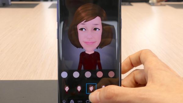 El Samsung Galaxy S9 permite crear emojis personalizados. FOTO: ANNA LLADÓ